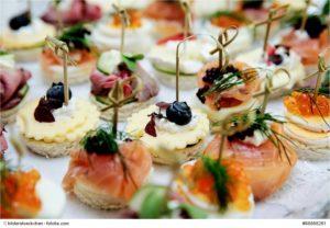Fingerfood bei einer Hochzeit © bilderstoeckchen
